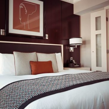 Feng Shui Your Hotel Room in 5 Minutes